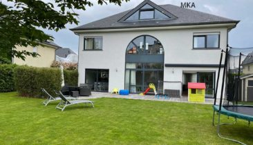 Villa isolée à vendre à Strassen