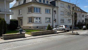 Maison semie détachée  avec garages à vendre à Strassen